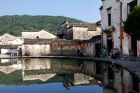 Hongcun village: the Moon Pond, in the center of the village.